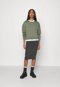 Vila - VIMANY  - Pencil skirt - dark grey melange - 1