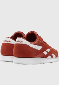 Reebok Classic - CLASSIC NYLON SHOES - Trainers - mason red - 3