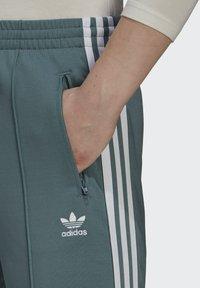 adidas Originals - PANTS - Tracksuit bottoms - hazy emerald - 3