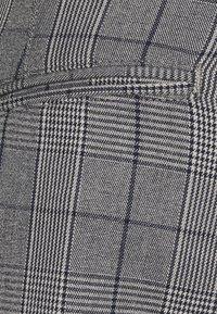 Selected Homme - SLHSLIM STORM FLEX SMART PANTS - Pantaloni - grey/blue - 2