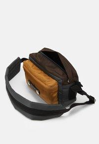 Marni - Across body bag - anthracite/chestnut/dune - 4
