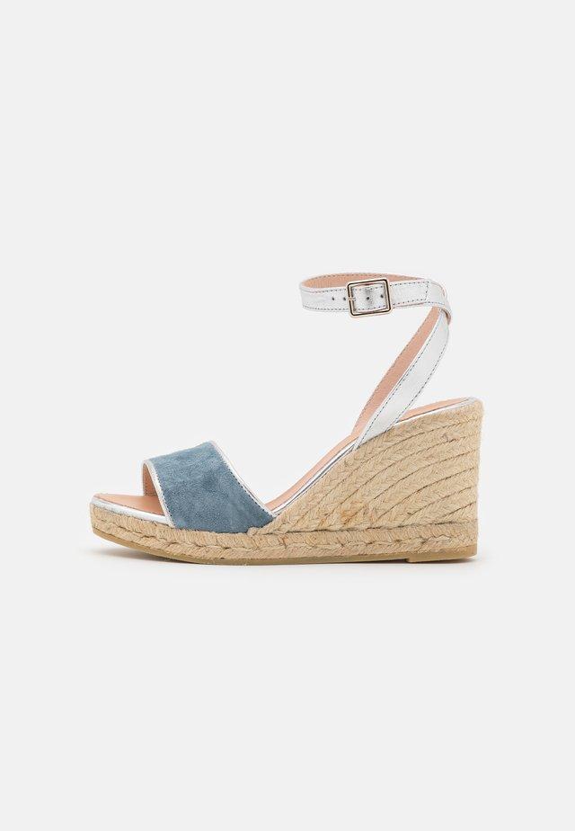 YAMINA - Sandales à plateforme - jeans/plata