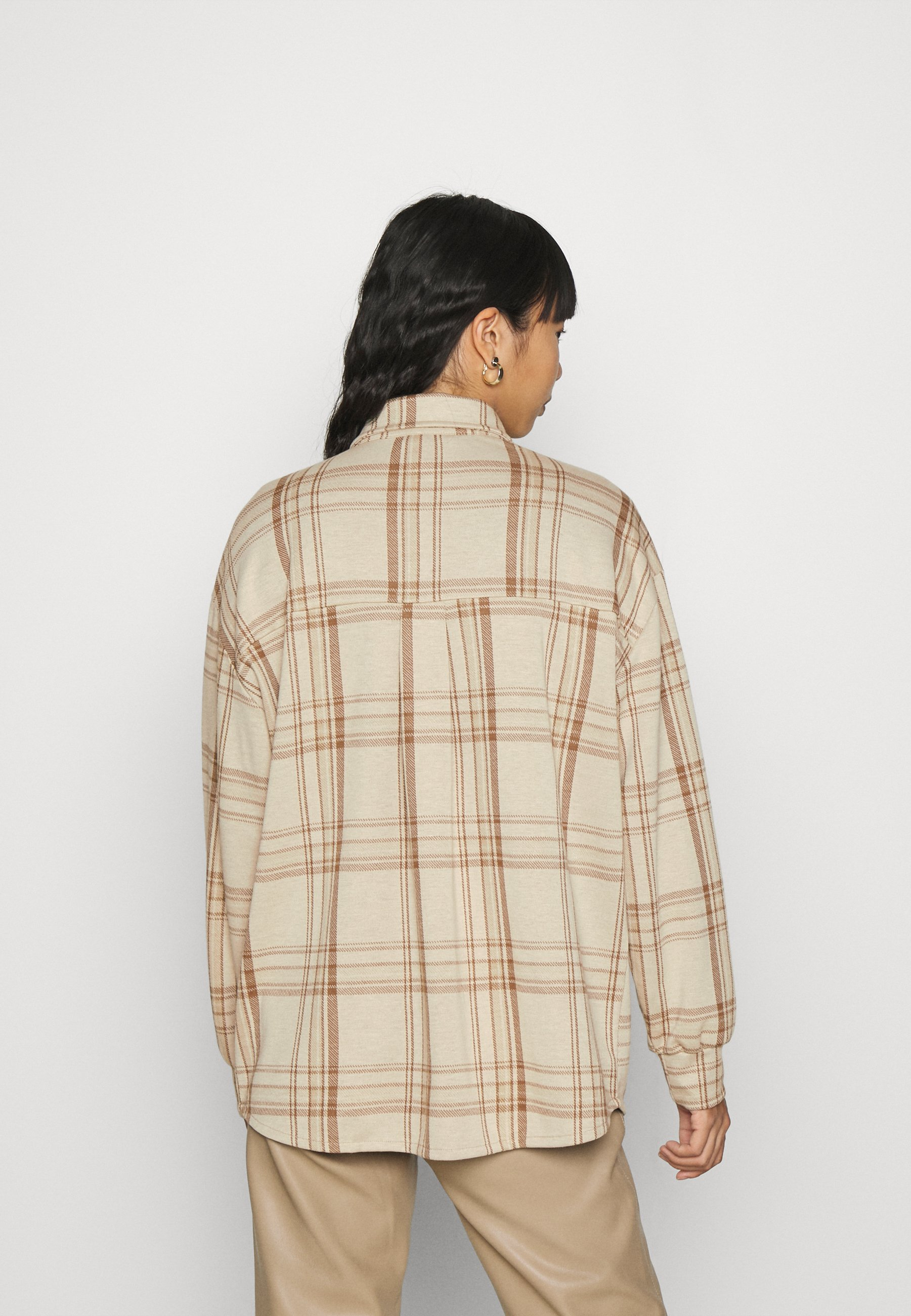 Nly by Nelly ALL I NEED SHACKET Leichte Jacke beige