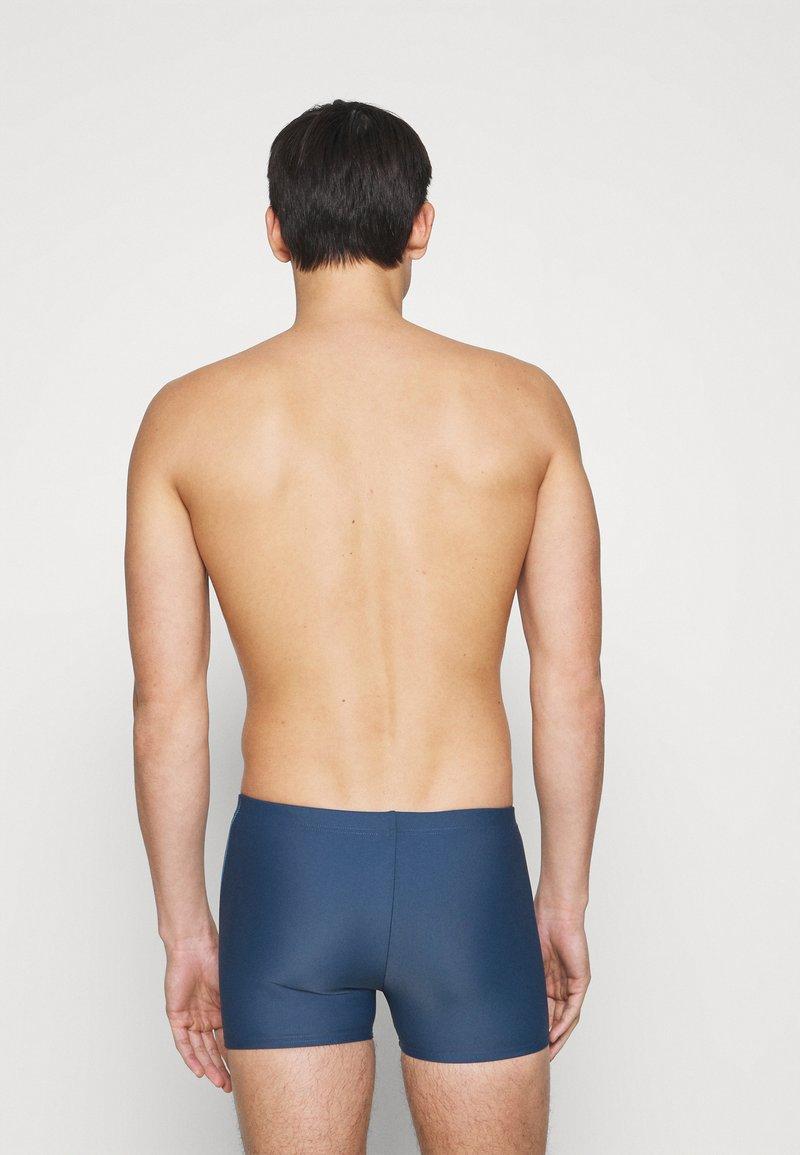 Arena - SPIRIT - Swimming trunks - shark turquoise
