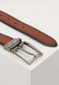 Bugatti - REGULAR - Belt - cognac/schwarz - 3