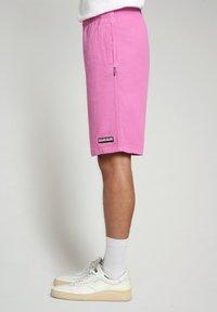 Napapijri - Shorts - pink super - 3