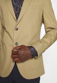 Selected Homme - SLHSLIM TREY - Blazer jacket - kelp - 5