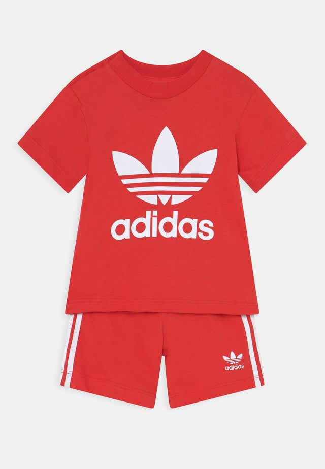 TEE SET UNISEX - Shorts - red/white