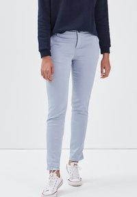 BONOBO Jeans - Pantalones chinos - bleu clair - 3