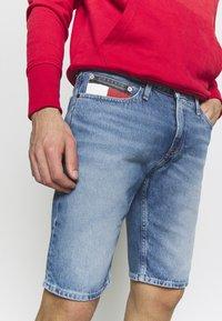 Tommy Jeans - SCANTON HERITAGE - Szorty jeansowe - light blue denim - 5