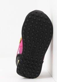 Puma - SEGA FUTURE RIDER V - Trainers - glowing pink/black - 5