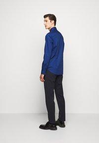Michael Kors - POPLIN SLIM - Shirt - royal blue - 2