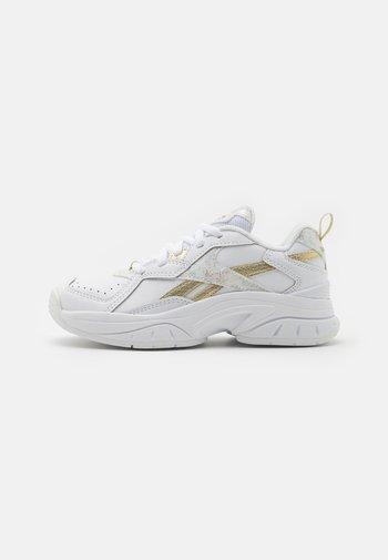 Sports shoes - white/gold metallic