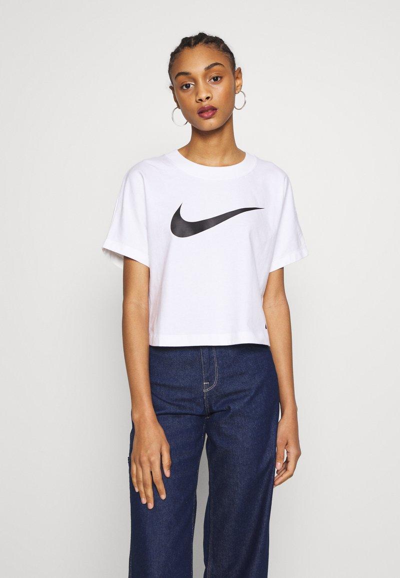 Nike Sportswear - T-shirt z nadrukiem - white/black