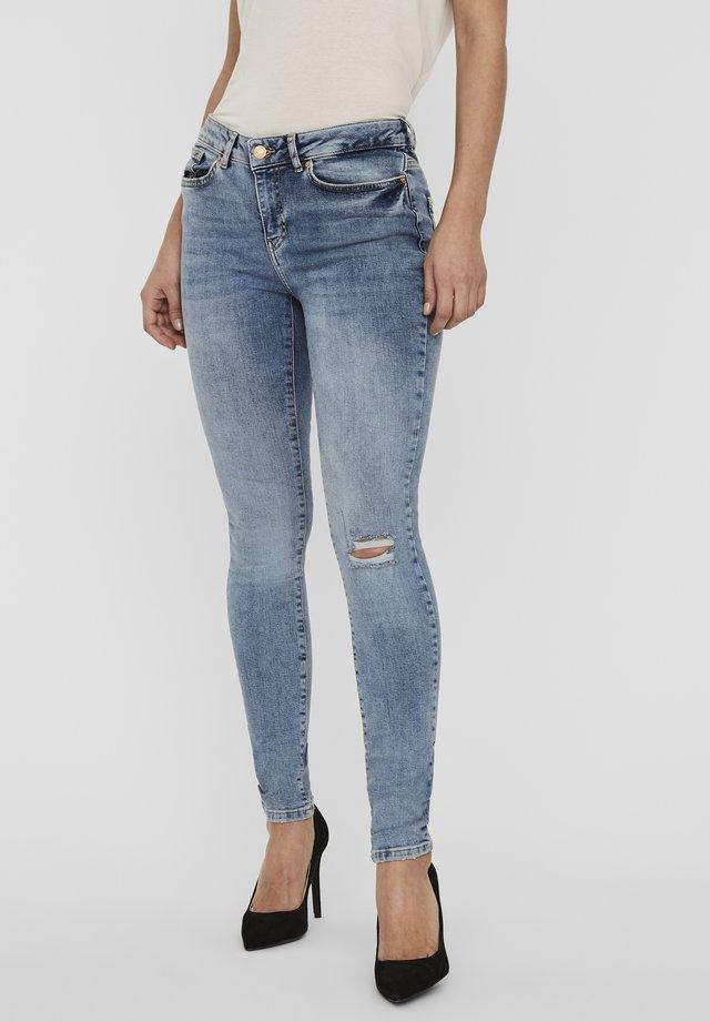 VMHANNA - Skinny džíny - medium blue denim