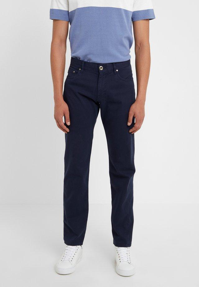 MITCH - Spodnie materiałowe - dunkelblau