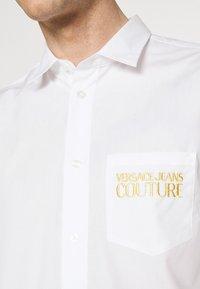 Versace Jeans Couture - Shirt - bianco ottico - 5