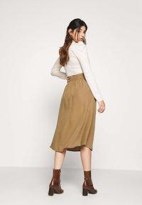 Pieces Petite - LIV SKIRT PETIT - A-line skirt - kangaroo - 2