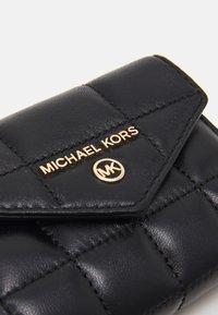 MICHAEL Michael Kors - JET SET TRIFOLD - Peněženka - black - 3