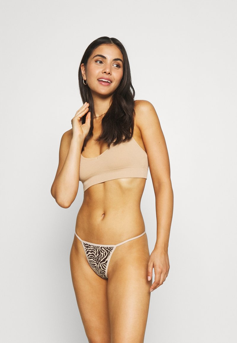 Out From Under for Urban Outfitters - 2 PACK - Stringit - black