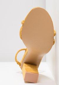 Glamorous - Sandały na obcasie - mustard - 6