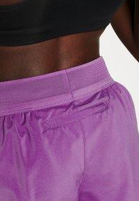 Nike Performance - SHORT RUNWAY - Korte sportsbukser - purple/vivid purple/white - 3