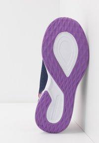 Skechers - TREAD LITE - Tenisky - navy/pink - 5