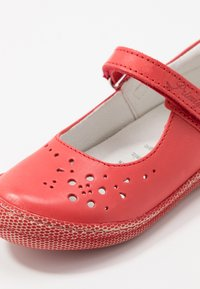 Primigi - Ankle strap ballet pumps - kiss - 2
