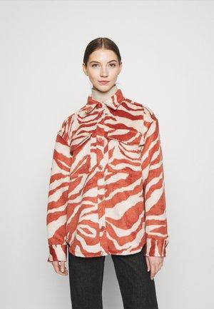 BENNIE - Skjortebluser - red
