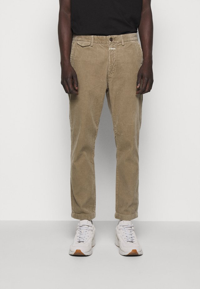 ATELIER TAPERED - Bukse - muddy beige