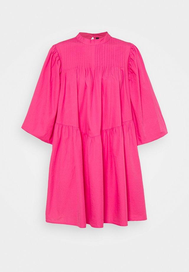 YASSALISA DRESS - Kjole - fandango pink