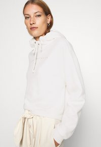 Abercrombie & Fitch - SMALL SCALE LOGO - Hoodie - white - 3