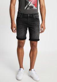 Jack & Jones - JJIRICK JJORIGINAL - Denim shorts - black - 0