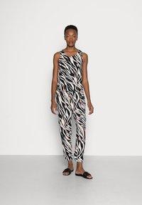 s.Oliver - Top - black zebra - 0