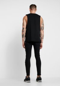 Brave Soul - VEGAS - Jeansy Skinny Fit - charcoal wash/red - 2