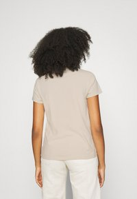 Levi's® - WELLTHREAD PERFECT TEE - T-shirt basic - sand - 2