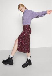 Even&Odd - Midi high slit high waisted skirt - Pennkjol - black/multi-coloured - 4