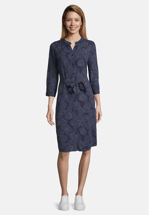 BLUSENKLEID MIT BINDEGÜRTEL - Shirt dress - dark blue/classic blue