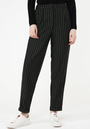 HOSE VALERY - Trousers - grün