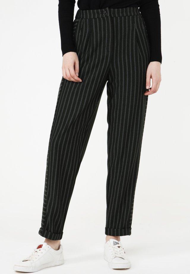 HOSE VALERY - Pantalon classique - grün