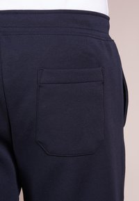 Polo Ralph Lauren - DOUBLE KNIT TECH-SHO - Shorts - aviator navy - 3