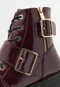 New Look - BUSY - Cowboy/biker ankle boot - dark red - 2