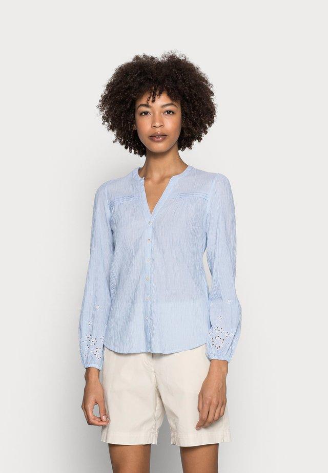 CAMISA BORDA - Blouse - light blue