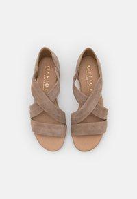 Office - HALLIE - Wedge sandals - camel - 5
