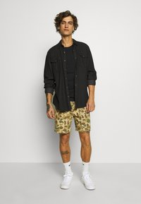 Quiksilver - SCOUTHUNTERWALK - Shorts - pacific incense - 1