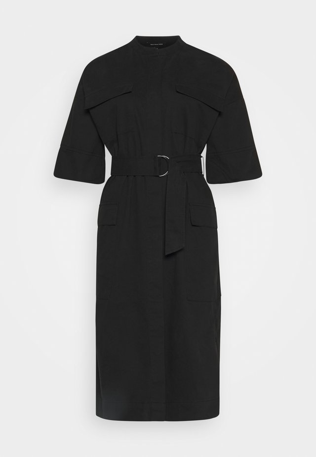 BELTED UTILITY DRESS - Tubino - black