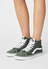 Vans - SK8 - Sneaker high - thyme/true white - 0