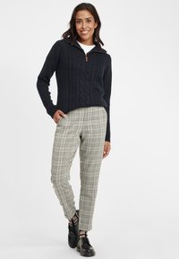 Oxmo - Trousers - monument - 1