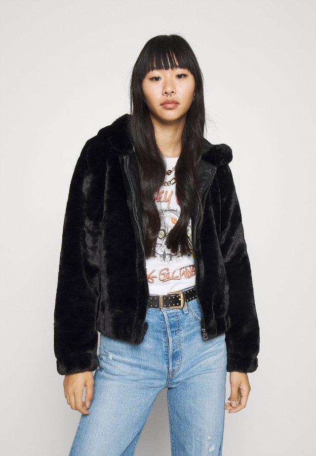 ONLMALOU HOOD JACKET - Winter jacket - black