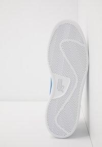 Puma - SMASH UNISEX - Sneakers laag - white/lapis blue - 4